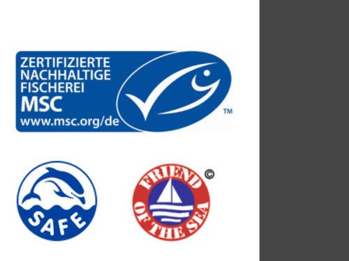 Aufkleber, die für nachhaltige Fischerei werben. (Foto: Oliver Schmid)